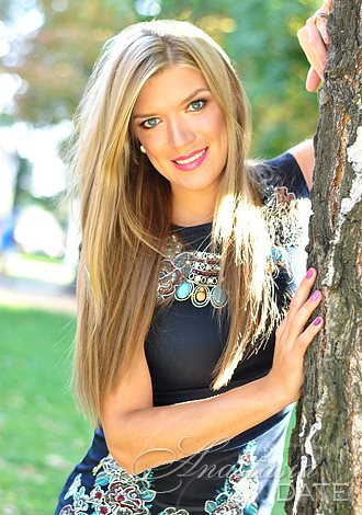 Gorgeous single women: mature Russian woman Tatyana from Kharkov